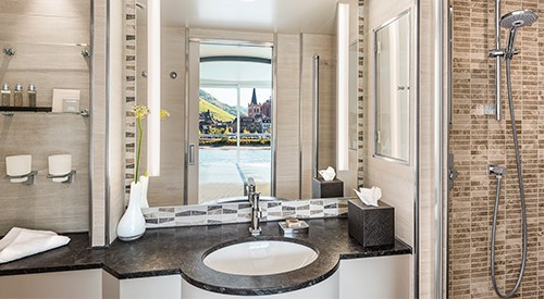 CC_Longships_Hlin_Veranda_Suite_Bathroom_500x275_tcm21-87178